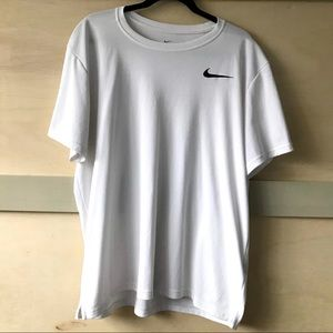 5/$25 ✨ Nike Dri-fit workout shirt